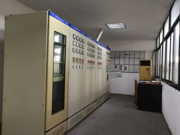 热处理控制室